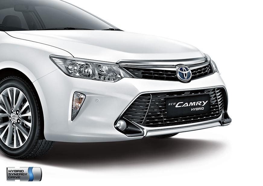 camry-hybrid-02